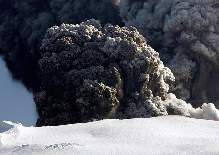 Volcan Eyjafjallajokull (Islandia). Fuente: The Big Picture