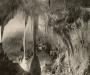 12La Sala de la Cúpula, gruta de 15 metros de altura dentro de la cueva de Carlsbad en Nuevo México. 1924