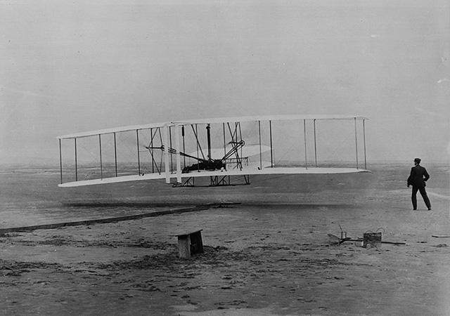 Hermanos Wright, primer vuelo en 1903