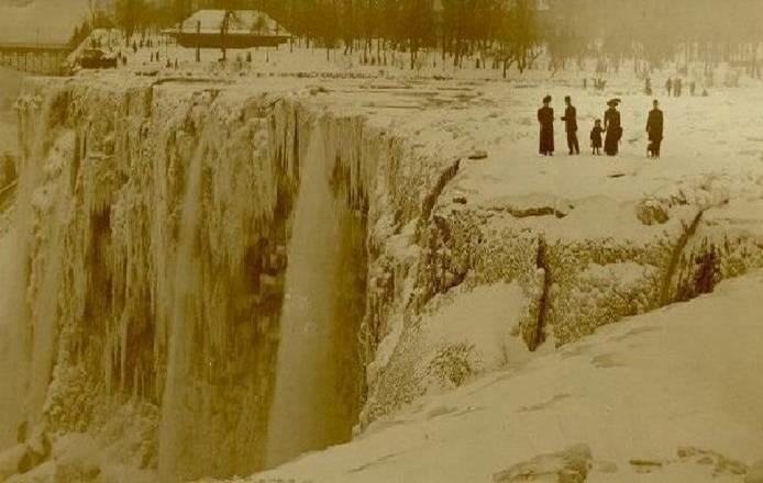 Cataratas del Niágara heladas en 1911