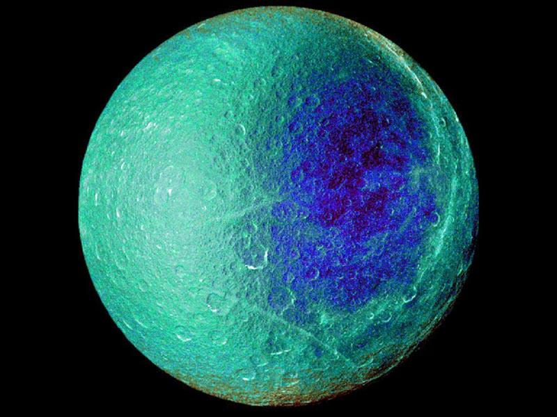 Rhea fotografiada por Cassini